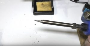 How to clean a soldering iron tip